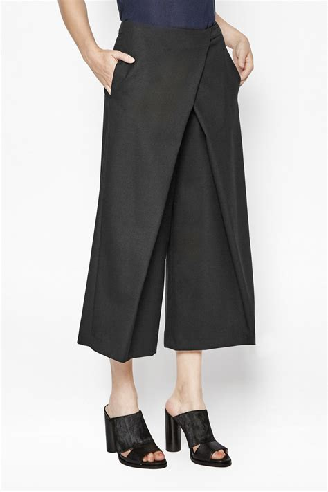 Sepatushoes Branded New Model Sneakers Lv 3 Miror Hq wide leg culottes new arrivals connection