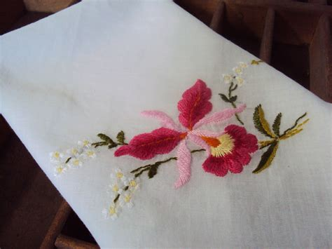 embroidery design for handkerchief handkerchief embroidery designs free embroidery patterns