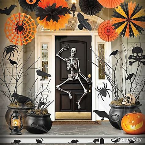 halloween decoration ideas to make at home how to craft halloween party decoration ideas hellokids com