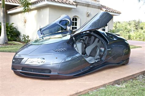Handmade Science Fiction Alien Car Is for Sale [Video