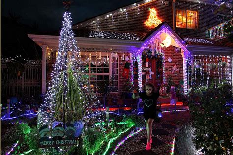 residents of matraville decorate their homes with lights