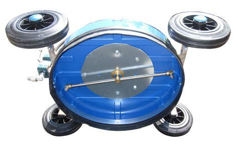 Robot Laveur De Sol Karcher 2596 by Robot Laveur De Toit Permet Nettoyage Automatique Des