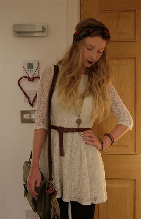 Get Look Ashlee Simpsons Outfitters Dress by Rhiannon Ashlee Topshop Lace Dress Outfitters Bag