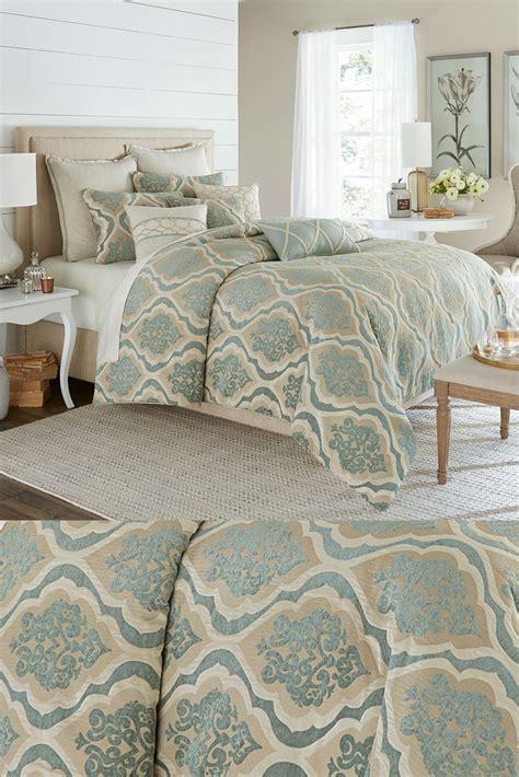 avery manor comforter set  michael amini