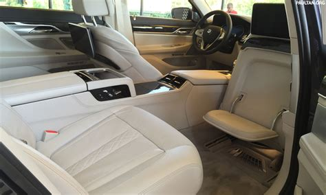 battle of the lounge seats w222 mercedes s class and