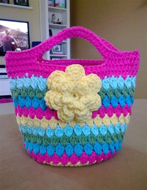 crochet tote bag pattern pinterest bag pattern can be found at http www youtube com watch