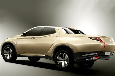 mitsubishi l200 photos mitsubishi l200 triton v 5th 2015 from article
