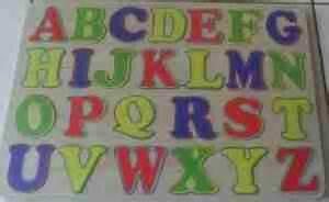 Puzzle Mengenal Huruf Dan Angka Bergambar Merak setiap anak unik puzzle huruf