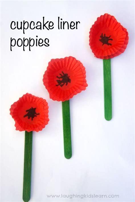 1 Year Memorial Flowers - memorial poppy craft using a cupcake liner memorial