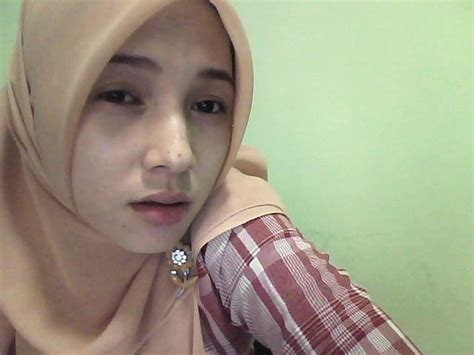 Wanita Transparan Jilbab Wallpaper