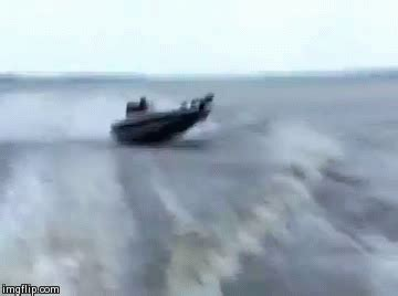 bass fishing boat accident 3 bass boat crashes that will make you cringe