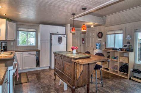 Korner Kitchen by Waterfront Cottage Rental On Dalrymple Lake Great Fishing