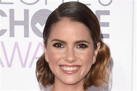 shelley hennig haircut 2015 the 3 hottest hairstyles of the 2016 people s choice awards