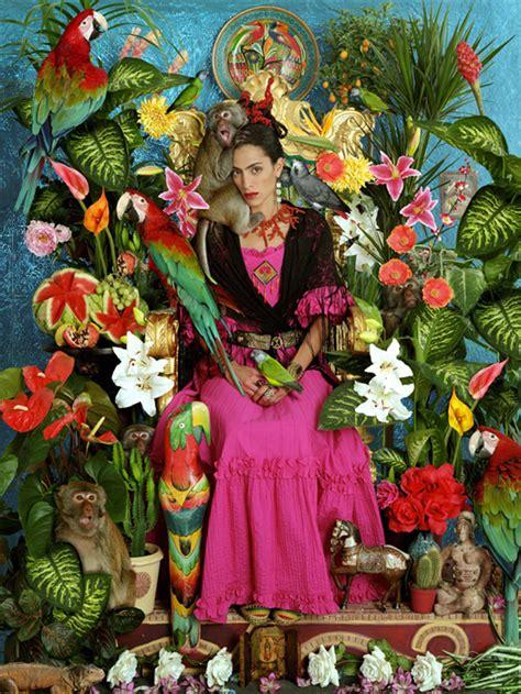frida kahlo par frida 2267019353 frida kahlo vue par le photographe david scheinmann fleurs tropical peinture