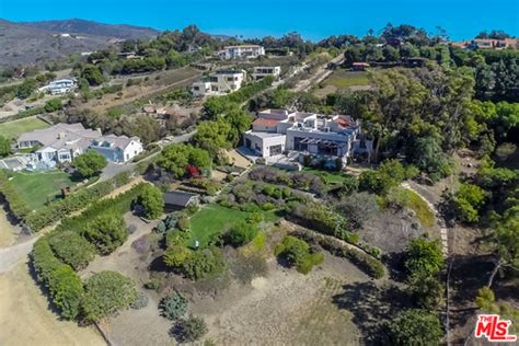 trulia malibu chris hemsworth and elsa pataky but house in malibu