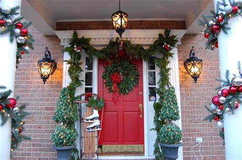 pictures of christmas decorations on top of the piano 50 best outdoor decorations for 2016