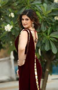 How To Drape Lehenga Busty Zarine Khan Juicy Navel Shows In Saree
