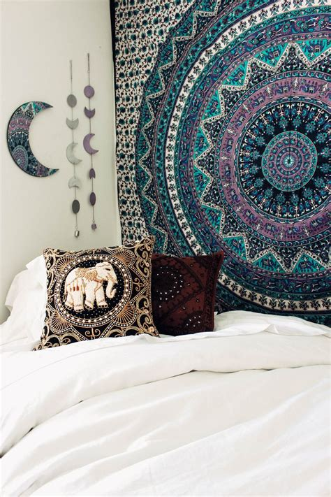 best 25 tapestry bedroom ideas on tapestry