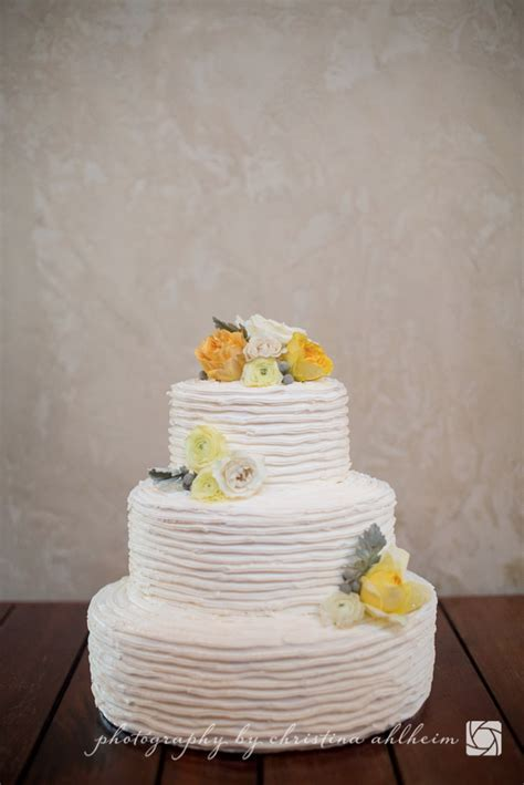 How to Preserve Your Top Wedding Cake Tier   Serendipity