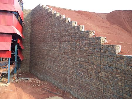 geosynthetic reinforced crusher walls in mining