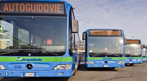 pavia mezzi pubblici pavia rivoluzione trasporti si viaggia con autoguidovie