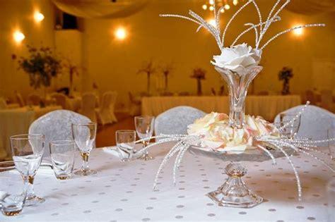 elegant cheap centerpiece one modern wedding