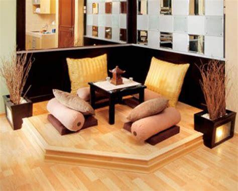 Kursi Lesehan tips mendekorasi ruang tamu lesehan tanpa sofa dan kursi