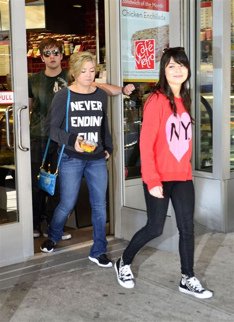 miranda cosgrove jennette mccurdy hit nyc with icarly icarly jennette mccurdy photos photos the cast of quot icarly quot out