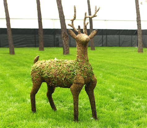deer topiary deer topiary