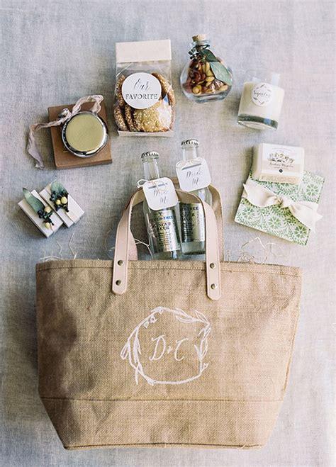 wedding  bags  guests  love weddingsonlineae