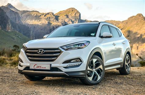 Kia Tuscon Comparative Review Hyundai Tucson Vs Kia Sportage Vs