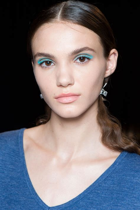 White Makeup Trend 2008 by 31 Beautiful Makeup Trends For 2017