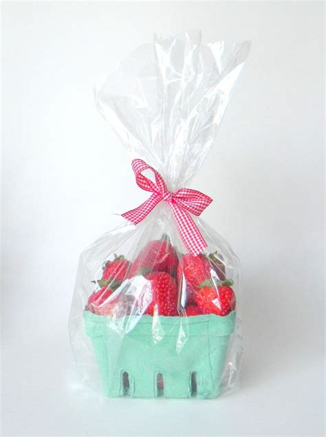clear wrap for gifts 25 best ideas about clear gift bags on