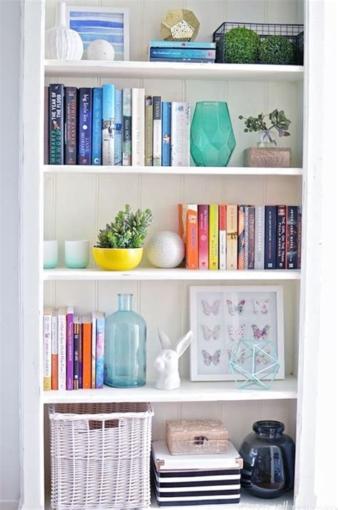 How To Organize A Book Shelf by Best 25 Bookshelf Organization Ideas On