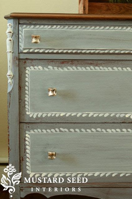 miss mustard seed milk paint in dried lavender