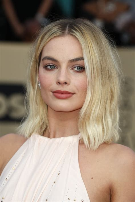 margot robbie headshot margot robbie hair and makeup at sag awards 2018 red