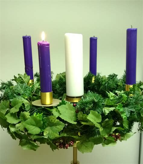 lighting the advent wreath worshiping with children year c sunday of advent