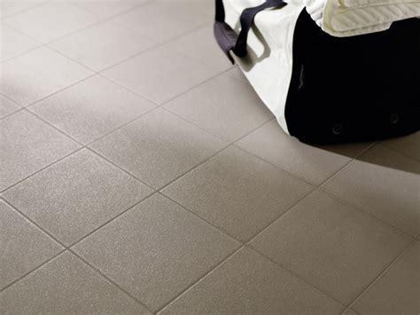 piastrelle in monocottura pavimento antiscivolo in ceramica monocottura quarz