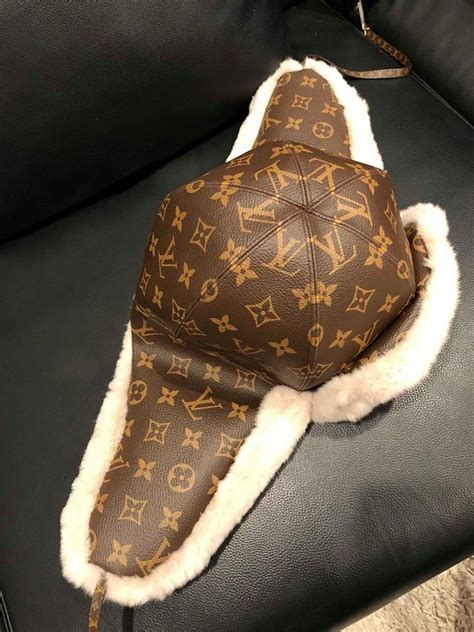 louis vuitton brown chapkalaska chapeau monogram lv logo