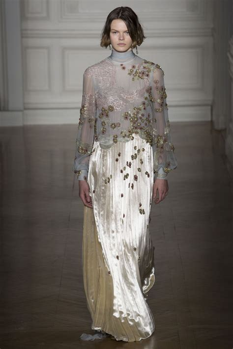 Whats New This Week At Style Couture In The City Fashion Couture In The City 2 by Couture Summer 2017 Fashion Week Valentino