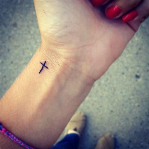 inspiring cool wrist tattoos  men women
