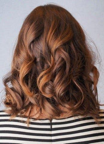 how to get soft curls in medium length hair 1000 ideas about medium length waves on pinterest