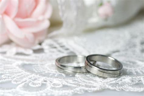 Eheringe Zur Silberhochzeit by Eheringe Konfigurieren Worauf Brautpaare Achten