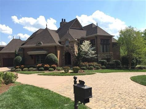 stephen currys house score nba chion steph curry s north carolina home for 1 5m the middletown press