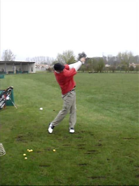 hitting or swinging golf hitting vs swinging part 2 the swing golf lag tips