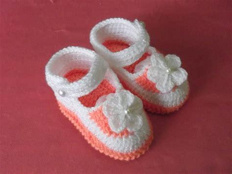 como hacer zapatitos tejidos para bebes youtube ropita para beb 233 s 187 zapatitos tejidos para bebes 20154