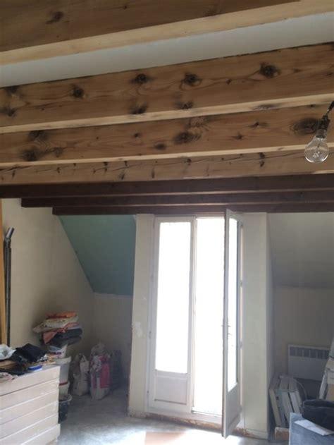 eclairage plafond bas quels luminaires pour salon cuisine avec poutres