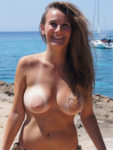 Beach busty sex