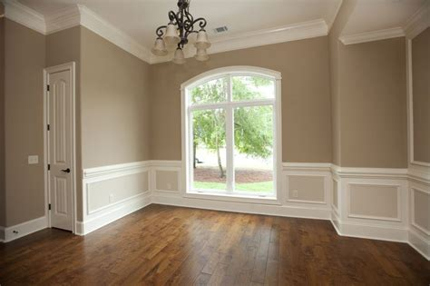 Wainscoting Color Ideas by Best 25 Dining Room Paneling Ideas On Dinning