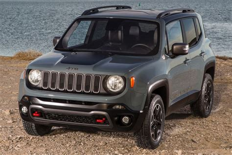 Difference Between Jeep Models Jeep Renegade Latitude Vs Limited Vs Sport Hodge Dodge